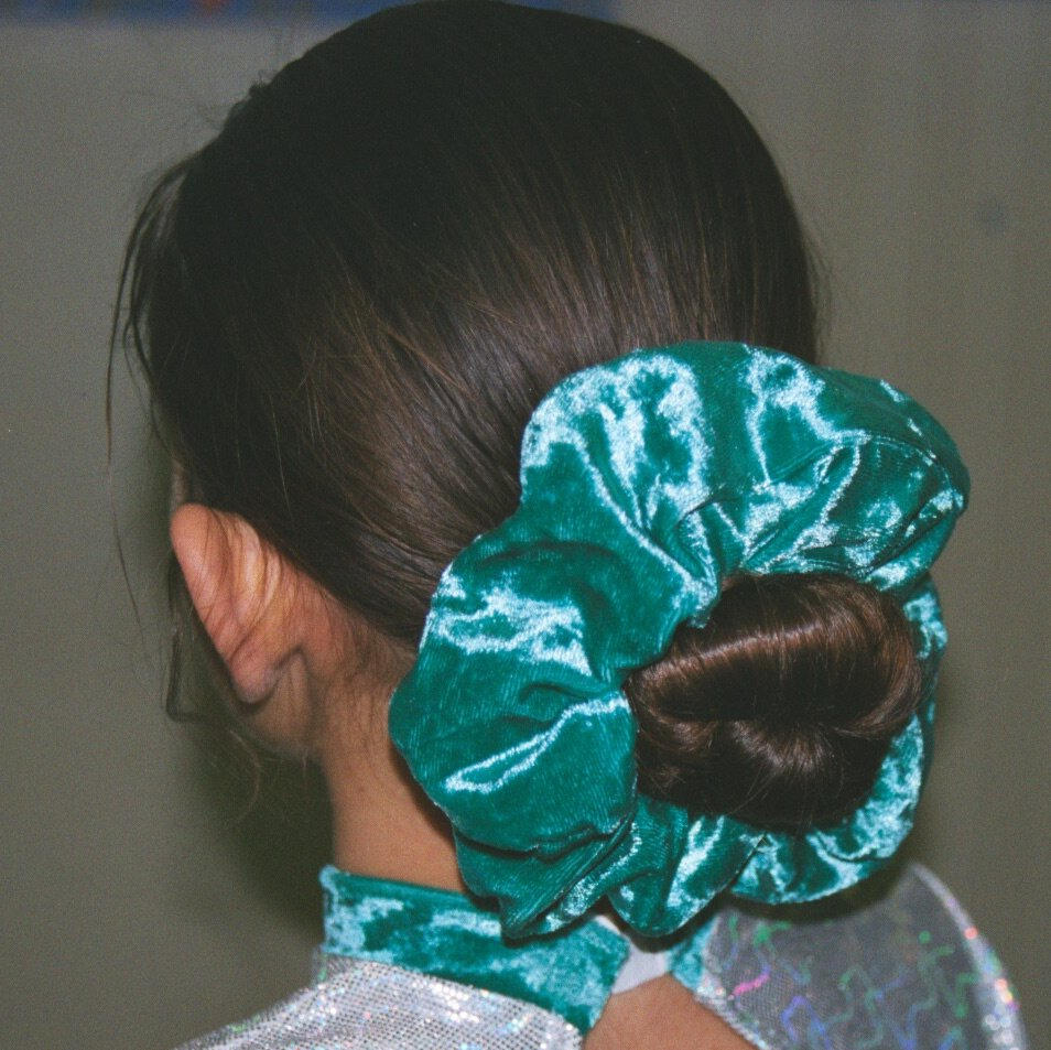 http://www.saturnv.co.uk/resources/clothing/jade_scrunchie.jpeg
